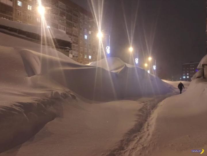 В Норильске много снега!