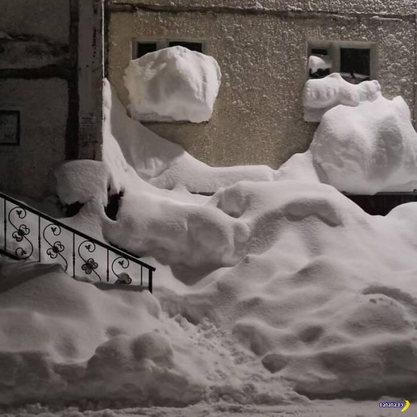 Весь снег в Норильске!
