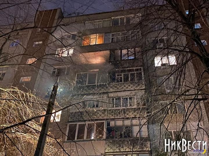 Одним фейерверком подожгли две квартиры!