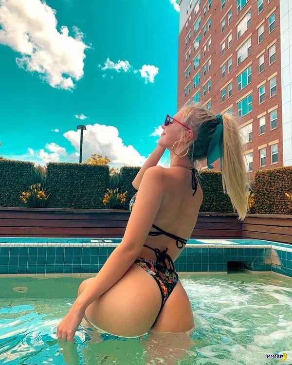 Красотки в бикини – 22