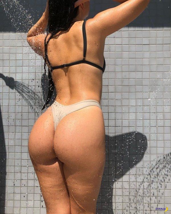 Красотки в бикини – 38
