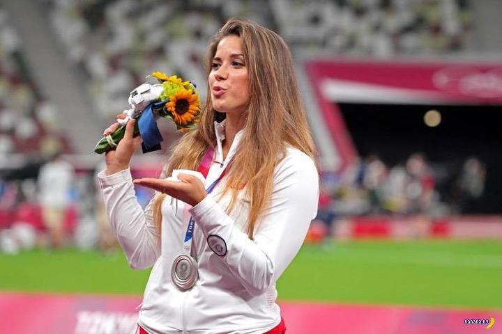 Продала олимпийскую медаль