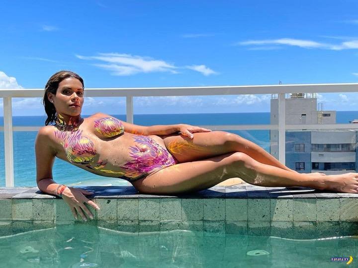 Бразильская модельPlayBoyготова купить салфетку со слезами Месси