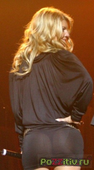 Fergie и её сексуальная попка!