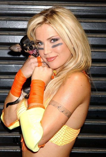 Willa Ford - Yellow Football (5HQ)