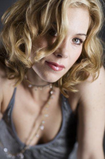 Christina Applegate - Diego Uchitel Photoshoot (HQ)