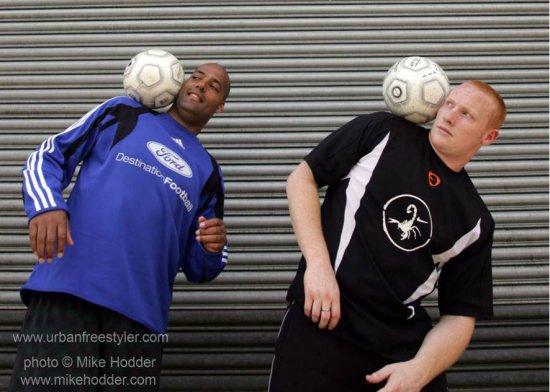 Football freestylers