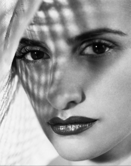 Penelope Cruz - Manuel Outumuro Shoot, 2002 (HQ)