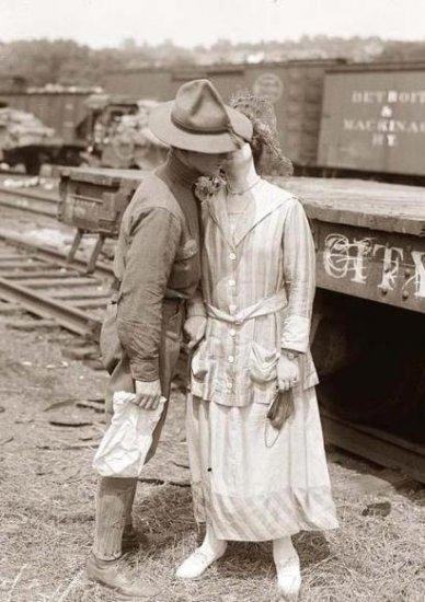 Афоризмы о поцелуе