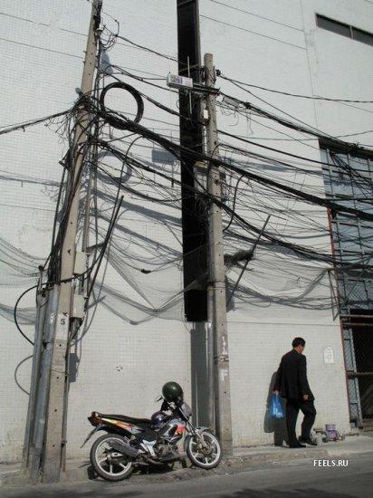 Одни провода