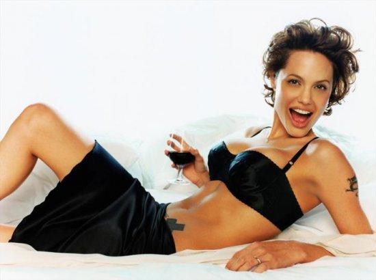 Красотка Анджелина Джоли