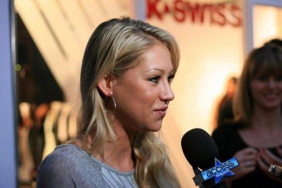 Анна Курникова на открытии гипермаркета K Swiss в Санта Монике