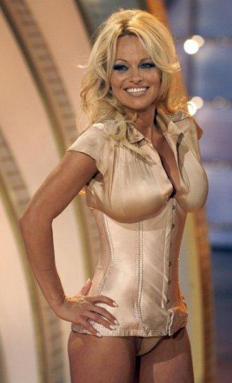 Памела Андерсон в шоу Willkommen bei Carmen Nebel