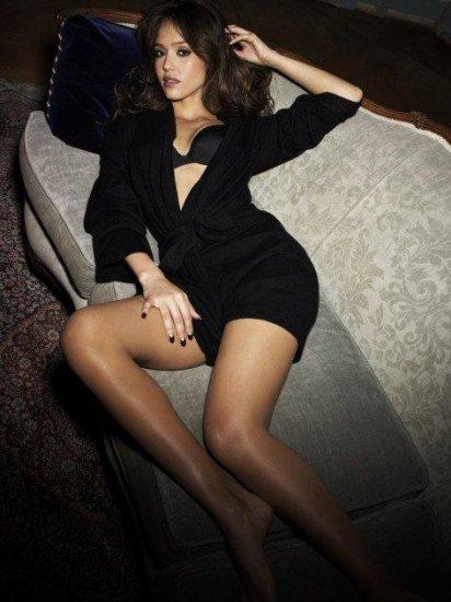 Джессика Альба и её ноги