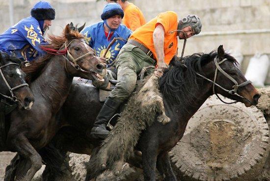 Конно-спортивный турнир по кок-бору в Бишкеке