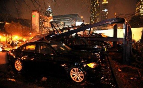 Торнадо в Атланте