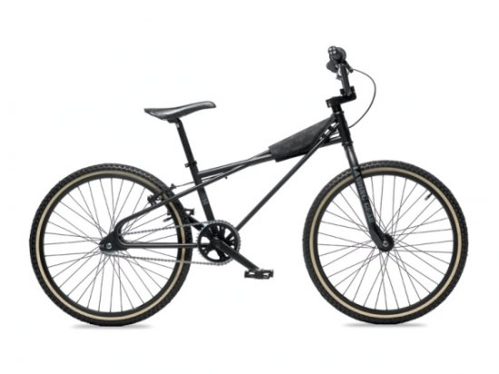 ��������� Quadangle � ������ DC Shoes � SE Bikes