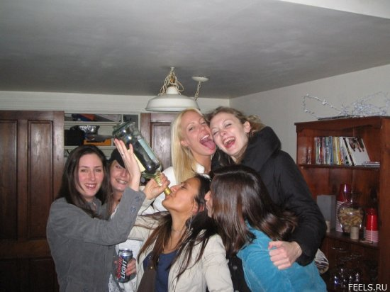 Пьяненькие девушки