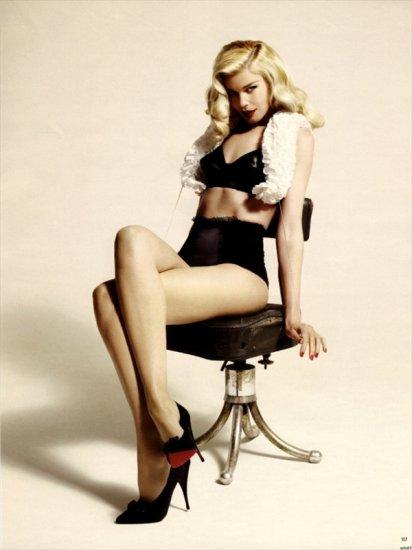 ������� ������ (Claudia Schiffer) ��� ��������� Vogue