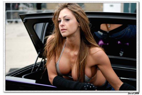 Девочки с автошоу