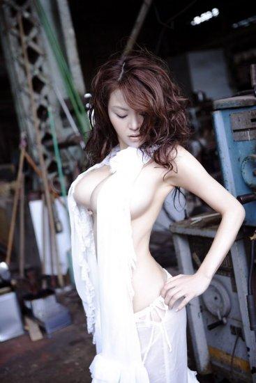 Японская модэль Yoko Matsugane