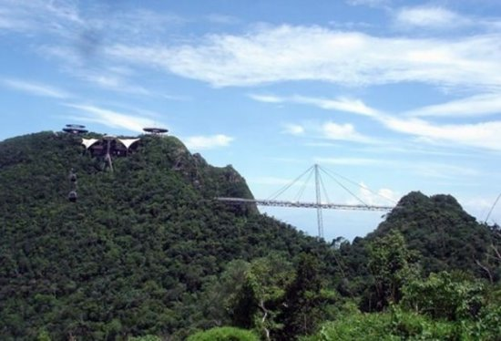 В Малазии возвели мост на высоте 125м, дл. 700м и шир. 1.8м
