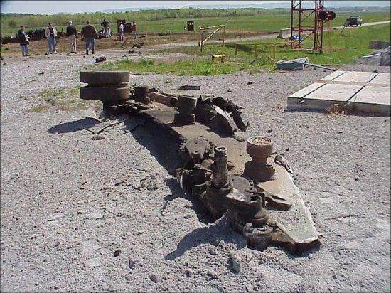 По танку жахнула болванка...