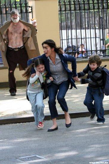 """Бомж отправил Кэтрин Зэту Джонс в """"моральный нокаут"""" своим поступком"""