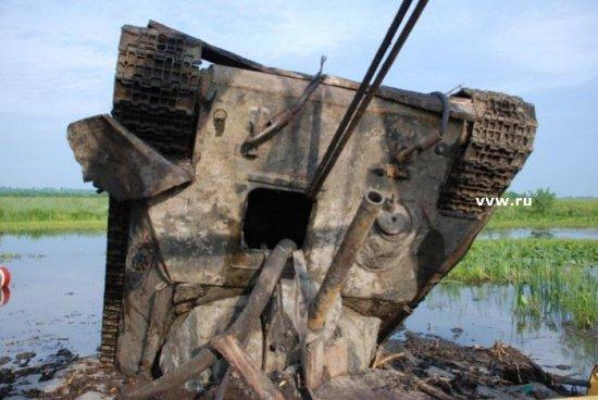 Подъём танка T-34 в Черкасской области (Украина)