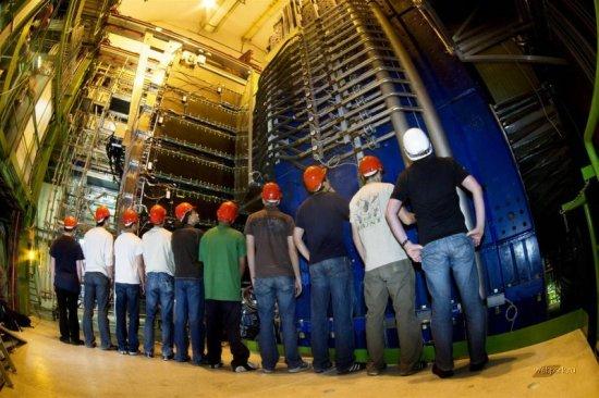 Большой адронный коллайдер: капец научным языком