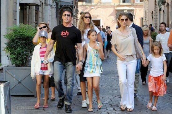 Сталонне с семьей