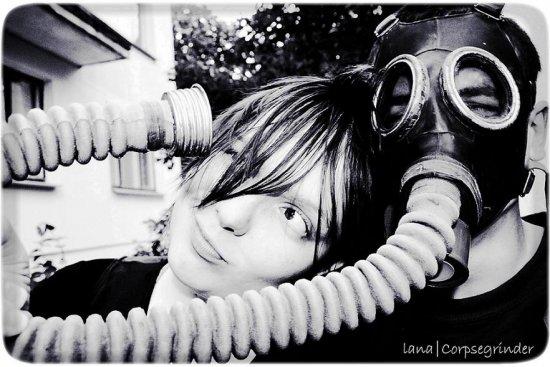 Фотограф Lana Shche.Серия фотографии-Прелюдии в противогазе