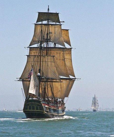 Ежегодный парад кораблей в San Francisco