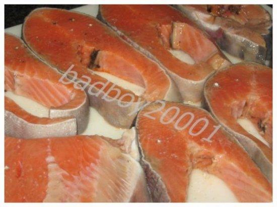 Рыба под огуречным соусом