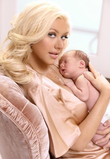 Кристина Агилера и её малыш)))
