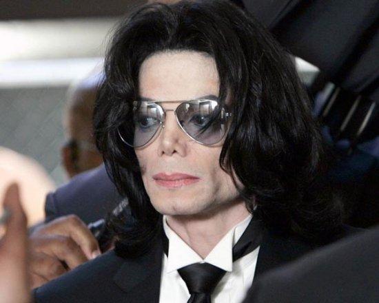 Сколько лет Майклу Джэксону на самом деле?