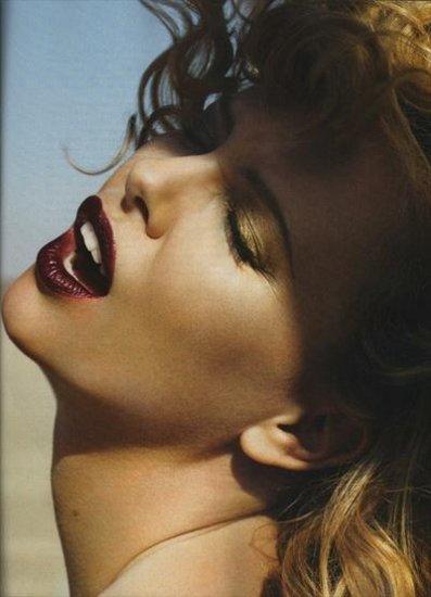 Шарлиз Терон (Charlize Theron) — ELLE & Vanity Fair
