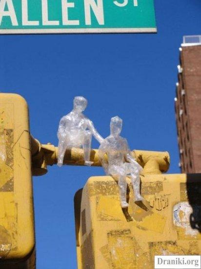 Cкульптуры из скотча
