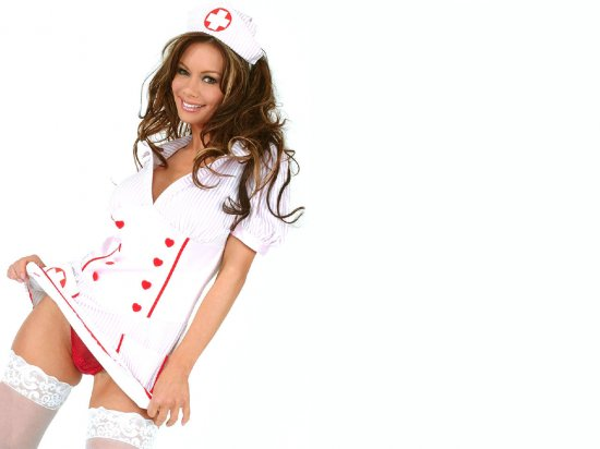 Девушки-врачи