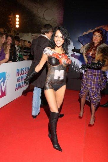 Голая Елена Беркова на красной дорожке премии MTV!