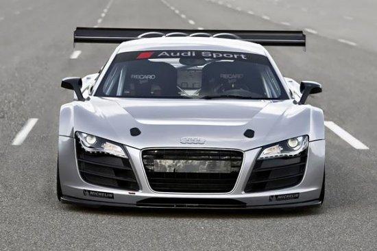 Audi представила в Эссене гоночный вариант спорткара R8