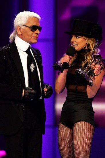 Бритни Спирс получила статуэтку Бемби