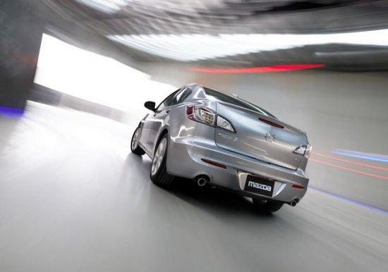 """Mazda показала """"трешку"""" 2010 модельного года"""