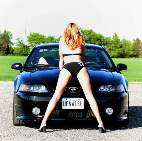 Girls & Ford Mustang