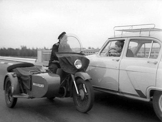 Какой полисмен не любит быстрой езды!