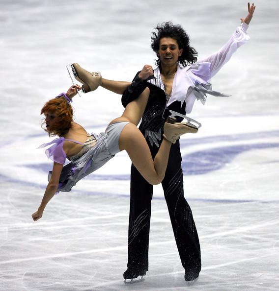 засветы танцах на льду фото меж ног